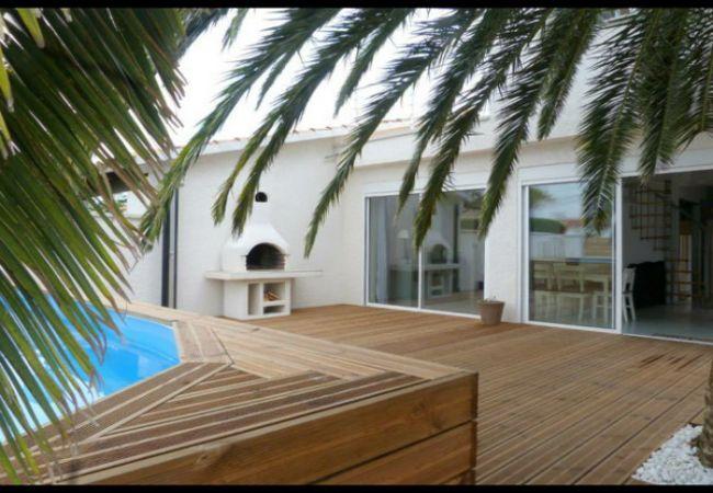 Casa amb piscina privada