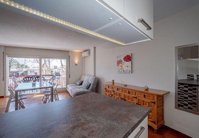 Apartament en Empuriabrava - ILA30 POBLAT TIPIC